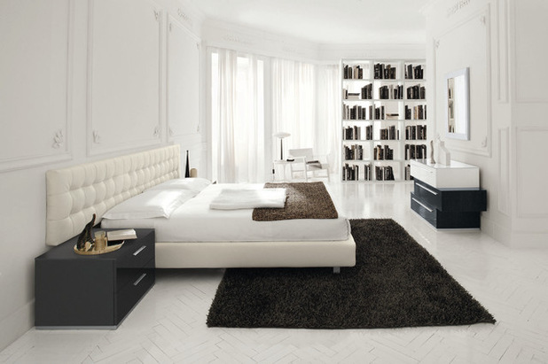 Whitened Bedroom accessories -- Allow Your own Bed room Sparkle within Whitened