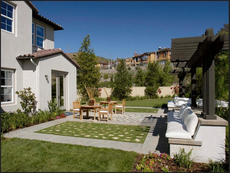 DIY Landscaping vs. Hiring a Contractor