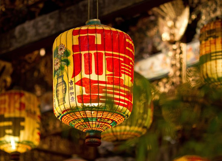 dangling-document-lanterns-not-only-an-additional-chochin-owner